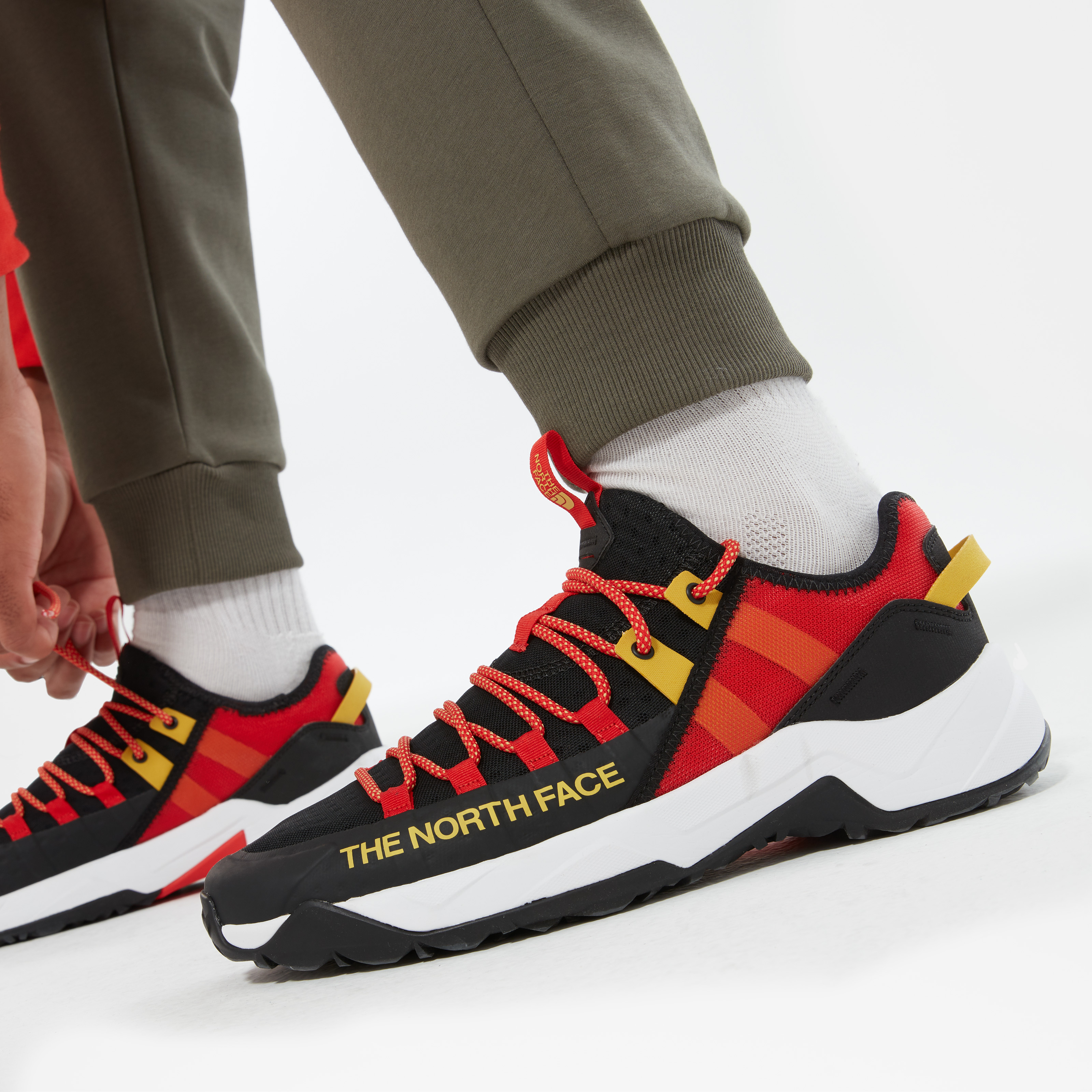 Мужские кроссовки Men'S Trail Escape Edge Shoes фото